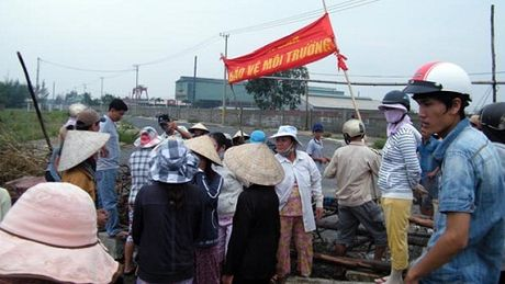 Vi sao Quang Nam chuyen nha may thep ve dau nguon song Vu Gia? - Anh 2