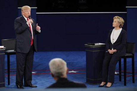 Trump doa 'bo tu' Clinton trong tranh luan lan hai - Anh 1