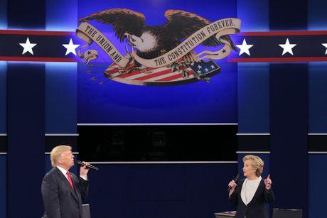 Cu 'loi nguoc dong' cua Donald Trump trong cuoc tranh luan - Anh 1