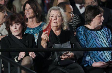 Cai ket bat ngo cua cuoc 'so gang' lan hai giua Clinton va Trump - Anh 12