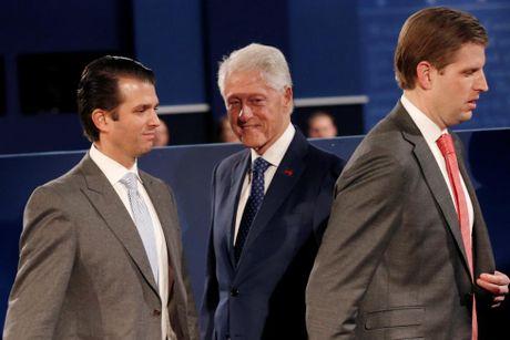 Cai ket bat ngo cua cuoc 'so gang' lan hai giua Clinton va Trump - Anh 17