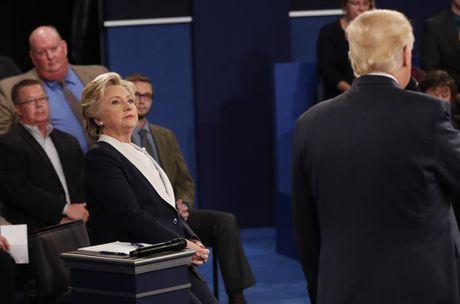 Cai ket bat ngo cua cuoc 'so gang' lan hai giua Clinton va Trump - Anh 2