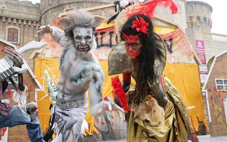 Tung bung don mua le hoi Halloween tai Ba Na Hills - Anh 3