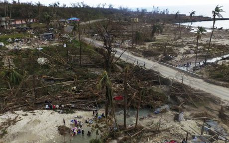 Can canh Haiti tan hoang, 'quay quat' trong ngheo doi - Anh 10