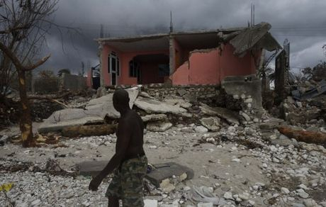 Can canh Haiti tan hoang, 'quay quat' trong ngheo doi - Anh 3