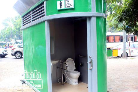 1.000 nha ve sinh cong cong nhu the nay se duoc lap dat tren toan Ha Noi - Anh 9