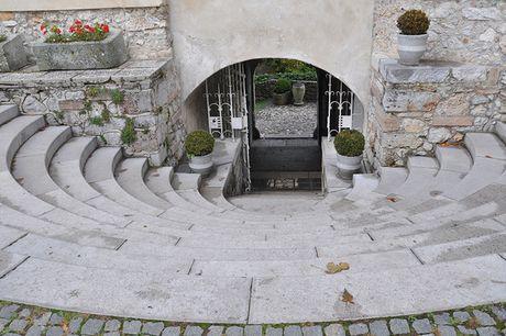 Bled - Toa lau dai co nhat Slovenia - Anh 5