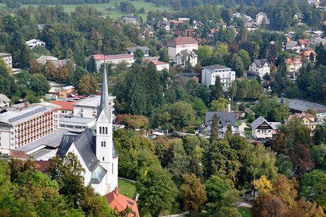 Bled - Toa lau dai co nhat Slovenia - Anh 8