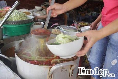 Cuoc song rieng khong may ai biet cua ba chu quan 'bun chui' - Anh 3