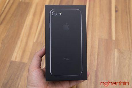 Gia iPhone 7 hien nay bang 3 thang luong cua nguoi Viet - Anh 1