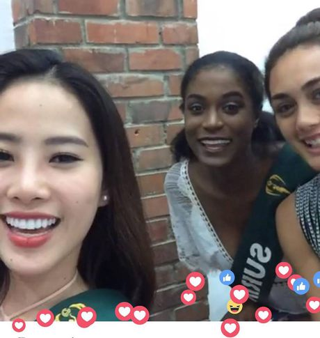 Nam Em xinh dep rang ngoi live stream voi khan gia Viet tai Philippines - Anh 2
