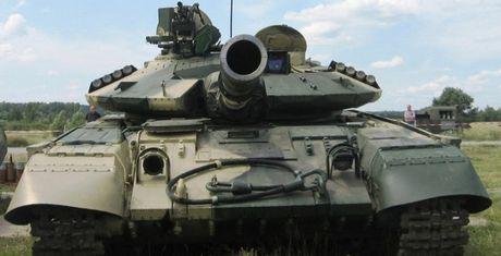 Xe tang chien dau chu luc T-64B1M - Doi thu xung tam cua T-72B3 - Anh 1