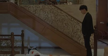 Khiep so truoc nhung phuong thuc doi xu voi nguoi dong tinh trong 'Tam biet Mr.X' - Anh 9