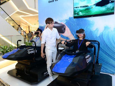 Samsung mo ra ki nguyen trai nghiem cong nghe dinh cao tai Viet Nam - Anh 4
