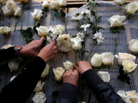 Tong thong Colombia tang toan bo tien thuong Nobel hoa binh - Anh 2