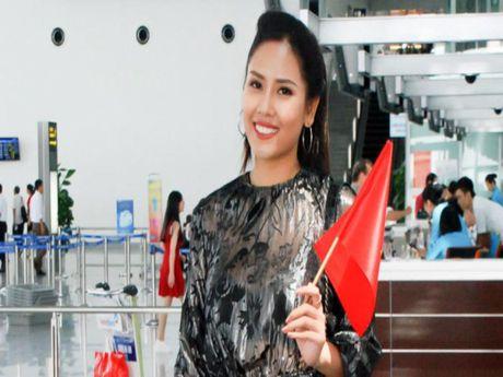 Nguyen Thi Loan, Phuong Linh di thi sac dep quoc te - Anh 1