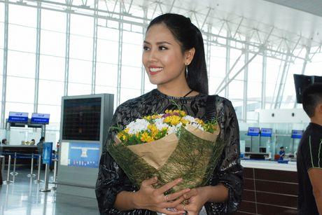 Nguyen Thi Loan, Phuong Linh di thi sac dep quoc te - Anh 6