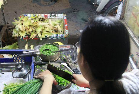 Nguoi Sai Gon 'boc so' cho ca gio de an bap nuong - Anh 4
