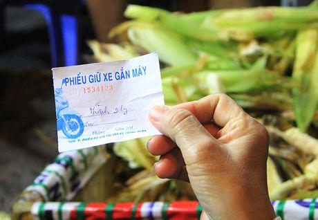 Nguoi Sai Gon 'boc so' cho ca gio de an bap nuong - Anh 8