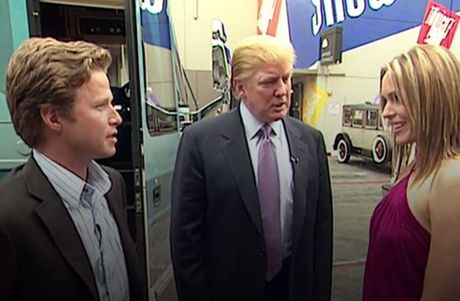 Nguoi mau trong video tuc tiu cua Trump len tieng - Anh 2