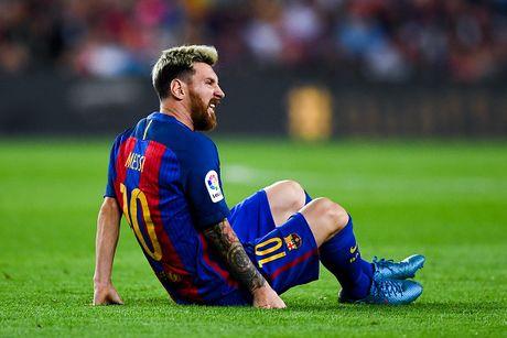 Guardiola tiet lo ly do Messi di bo tren san - Anh 1