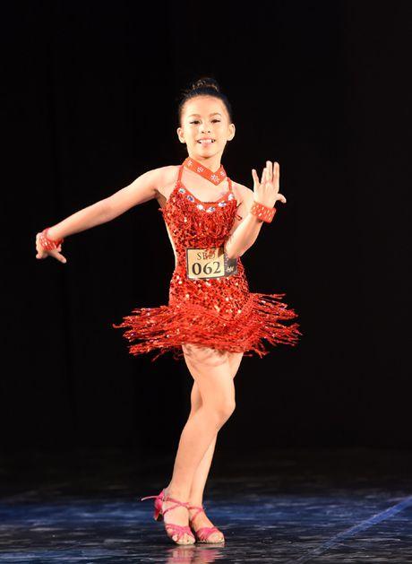 Ngo ngang voi co be hoc ballet tu luc 3 tuoi - Anh 4