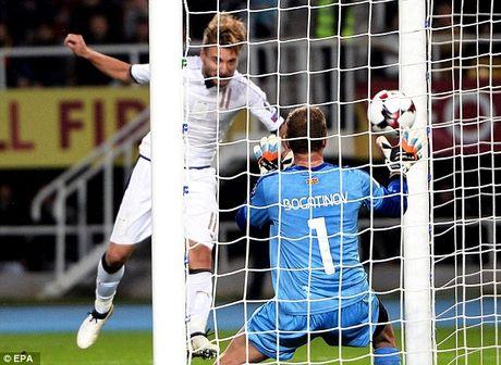 Video Macedonia 2-3 Italia: Phut bu gio nghiet nga - Anh 1