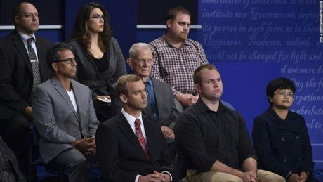 Toan canh cuoc tranh luan kich tinh giua Donald Trump - Hillary Clinton - Anh 14