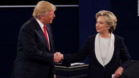 Toan canh cuoc tranh luan kich tinh giua Donald Trump - Hillary Clinton - Anh 15