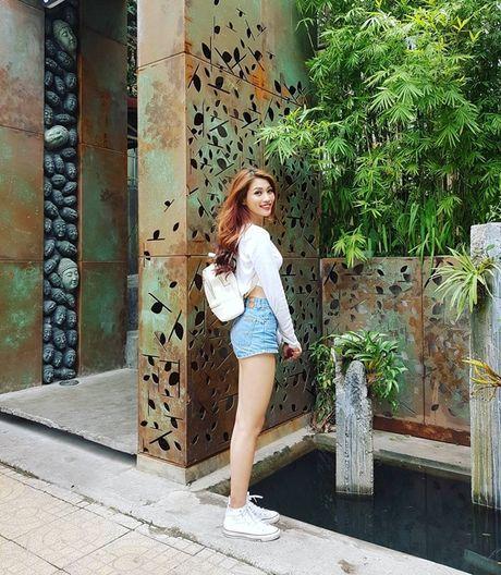 My nhan Viet hoa 'nang tho mua thu', khoe street style an tuong tren pho - Anh 9