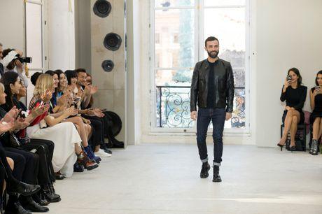 Louis Vuitton ton vinh nguoi phu nu Paris - Anh 11