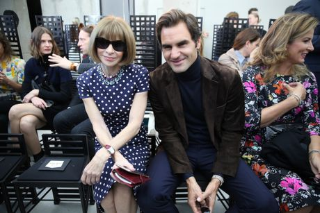 Louis Vuitton ton vinh nguoi phu nu Paris - Anh 13