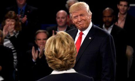 Trump-Clinton 'so gang' lan 2: Chinh phu Nga dang ngam ngam ung ho ong Trump? - Anh 2