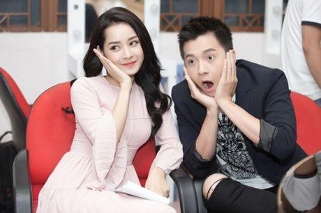 Showbiz 10/10: 'Em trai that lac' Ha Ho gay sot, Chi Pu noi gi khi bi che? - Anh 2