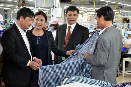 7 doanh nhan Da Nang duoc vinh danh doanh nhan tieu bieu nam 2016 - Anh 1