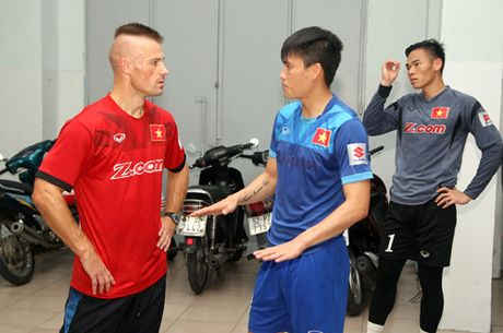 Mua Sai Gon 'lam phien' tuyen Viet Nam - Anh 10