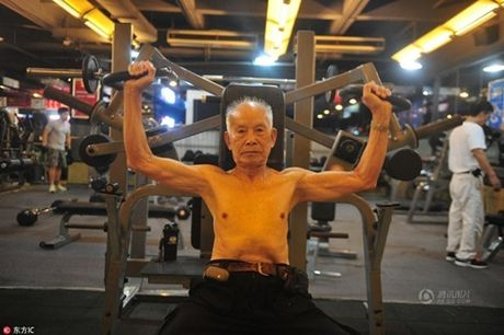 Cu ong 94 tuoi van cham tap gym moi ngay - Anh 6