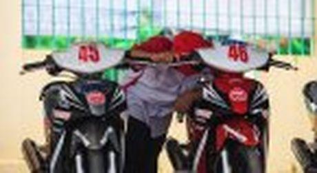 Honda WINNER 150 duoc mang vao duong dua, cung kha an tuong - Anh 26