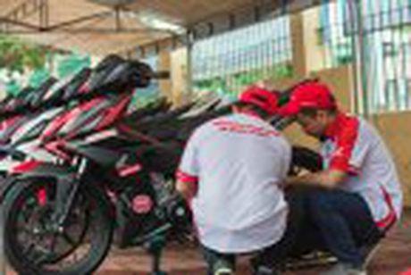 Honda WINNER 150 duoc mang vao duong dua, cung kha an tuong - Anh 27
