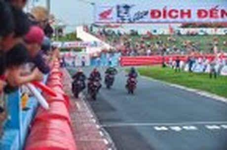 Honda WINNER 150 duoc mang vao duong dua, cung kha an tuong - Anh 54