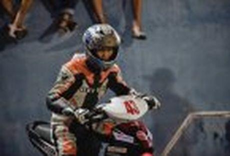 Honda WINNER 150 duoc mang vao duong dua, cung kha an tuong - Anh 61
