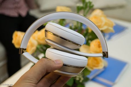 Tren tay Beats Solo3 Wireless: dep, chip Apple W1, pin cho 40 tieng nghe nhac - Anh 2