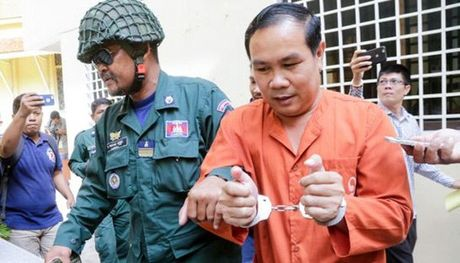 Nghi si Campuchia linh an tu vi xuyen tac van de bien gioi Viet Nam - Anh 1