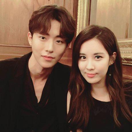 Sao Han 11/10: Hye Ri lap lo vong mot, Kim So Hyun hoa co dau xinh dep - Anh 8