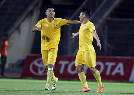 'Va' hang thu, HLV Huu Thang goi bo sung 'nguoi thua' cua Hai Phong - Anh 1