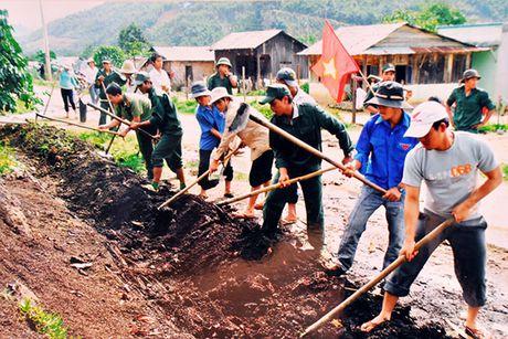Ho tro dong bao dan toc huyen Di Linh thoat ngheo - Anh 1