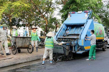 Ho Tay dan phuc hoi sau tham hoa ca chet hang loat - Anh 6