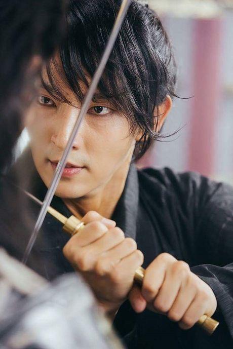 Nguoi tinh anh trang tap 14: IU dau kho khi Lee Jun Ki lay vo - Anh 8