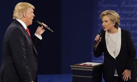 Cong kich du doi Clinton, Trump tam thoat the hiem ngheo - Anh 1