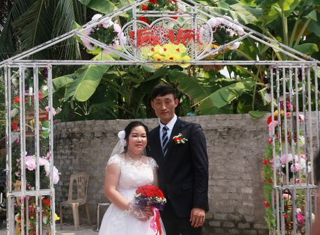 Chuyen tinh co tich cua cap khuyet tat trai Han, gai Viet - Anh 1